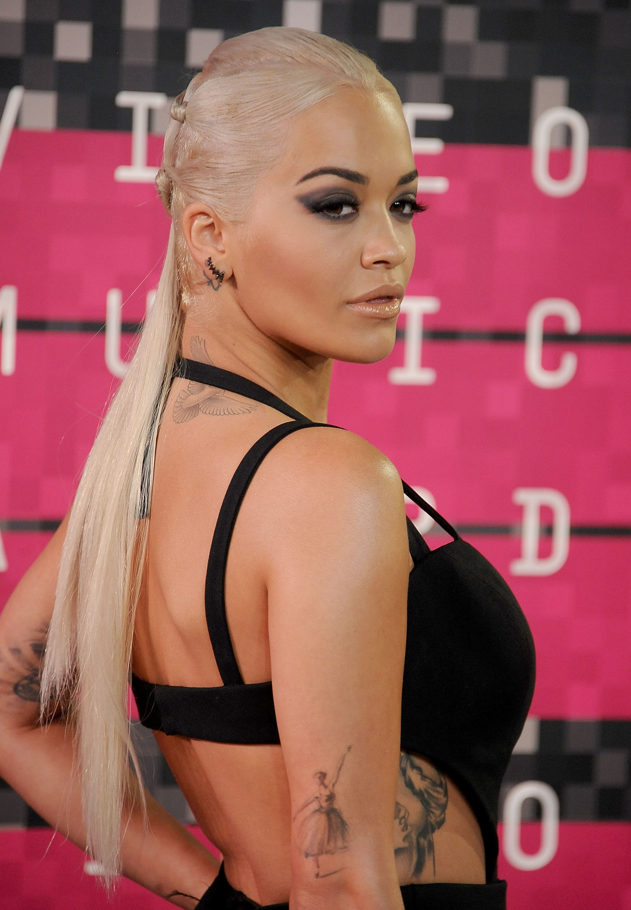 Rita Ora Vma Hair Step By Step By Matrix Bangstyle